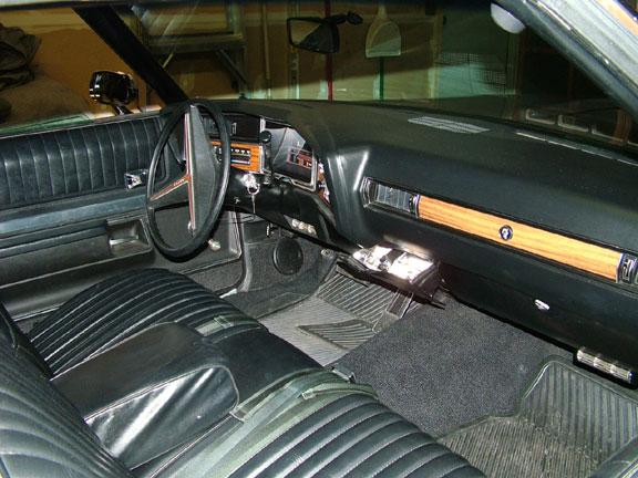 interior001.jpg